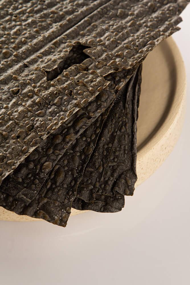 CH004 Τραγανά φύλλα ζύμης με ενεργό άνθρακα