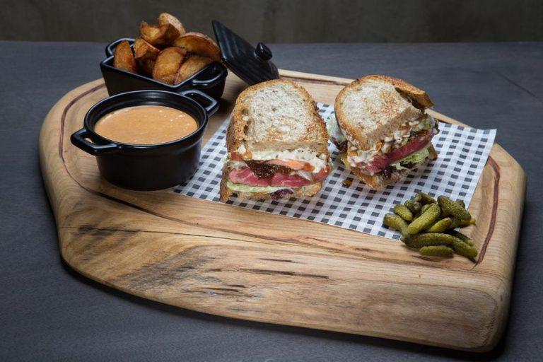 American steak sandwich, 1