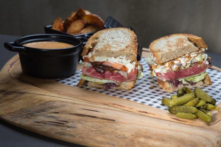 American steak sandwich, 3