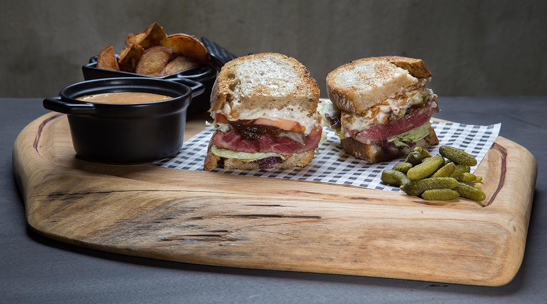 American steak sandwich, feature