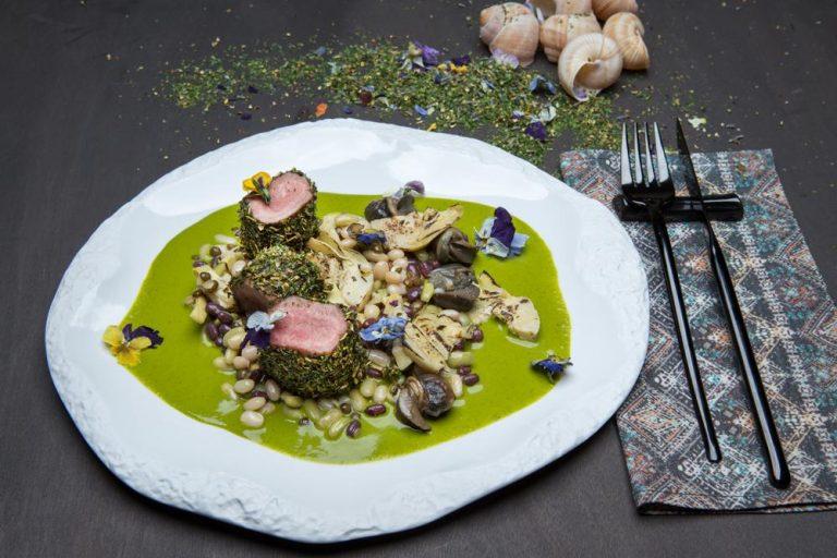 Αρνάκι φρικασέ με όσπρια και σαλιγκάρια, 1