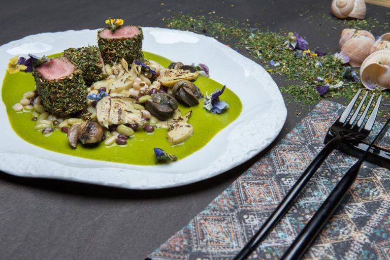 Αρνάκι φρικασέ με όσπρια και σαλιγκάρια, 2
