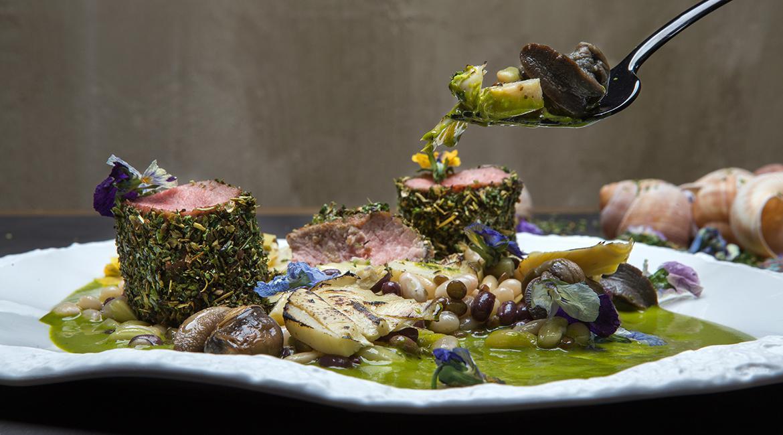 Αρνάκι φρικασέ με όσπρια και σαλιγκάρια, feature