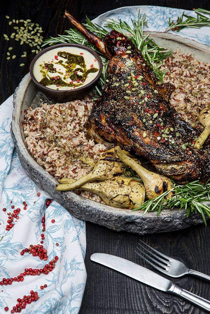 Αρνάκι στο ξυλόφουρνο, ψητές αγκινάρες, μείγμα ρυζιών & σάλτσα αγκινάρας, 7