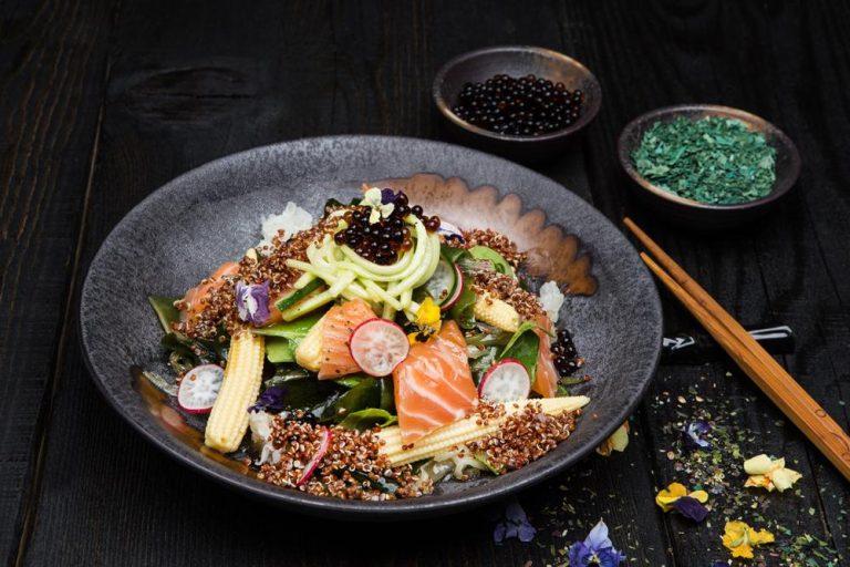 Ασιατική σαλάτα με φύκια, παστό σολομό & dressing σόγιας, 2