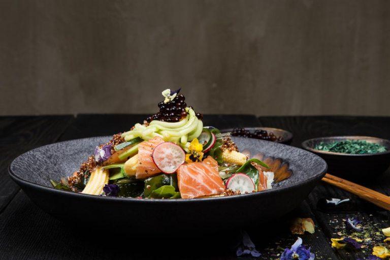 Ασιατική σαλάτα με φύκια, παστό σολομό & dressing σόγιας, 3