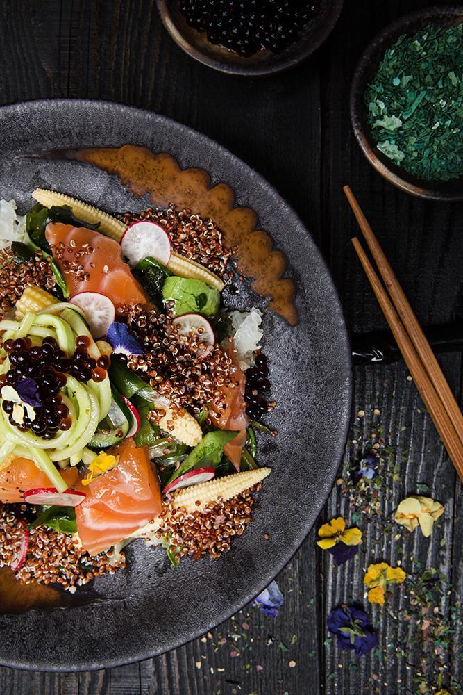 Ασιατική σαλάτα με φύκια, παστό σολομό & dressing σόγιας, 5