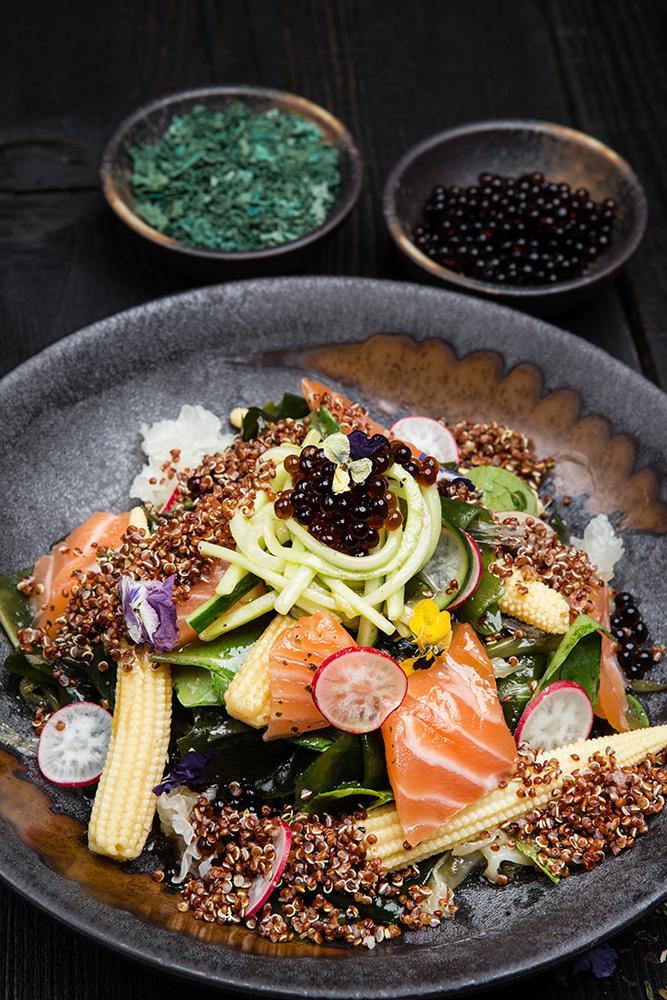 Ασιατική σαλάτα με φύκια, παστό σολομό & dressing σόγιας, 7
