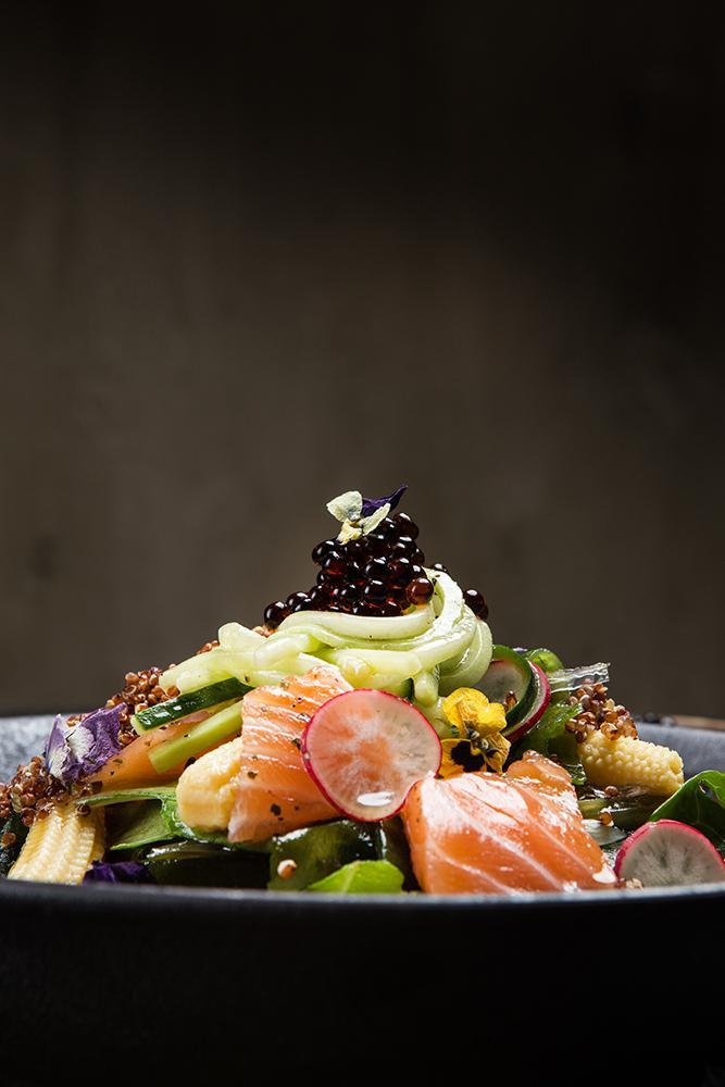 Ασιατική σαλάτα με φύκια, παστό σολομό & dressing σόγιας, 8