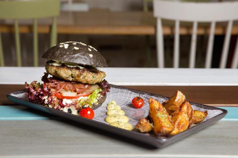 Black Croc burger, Esperanto, 1