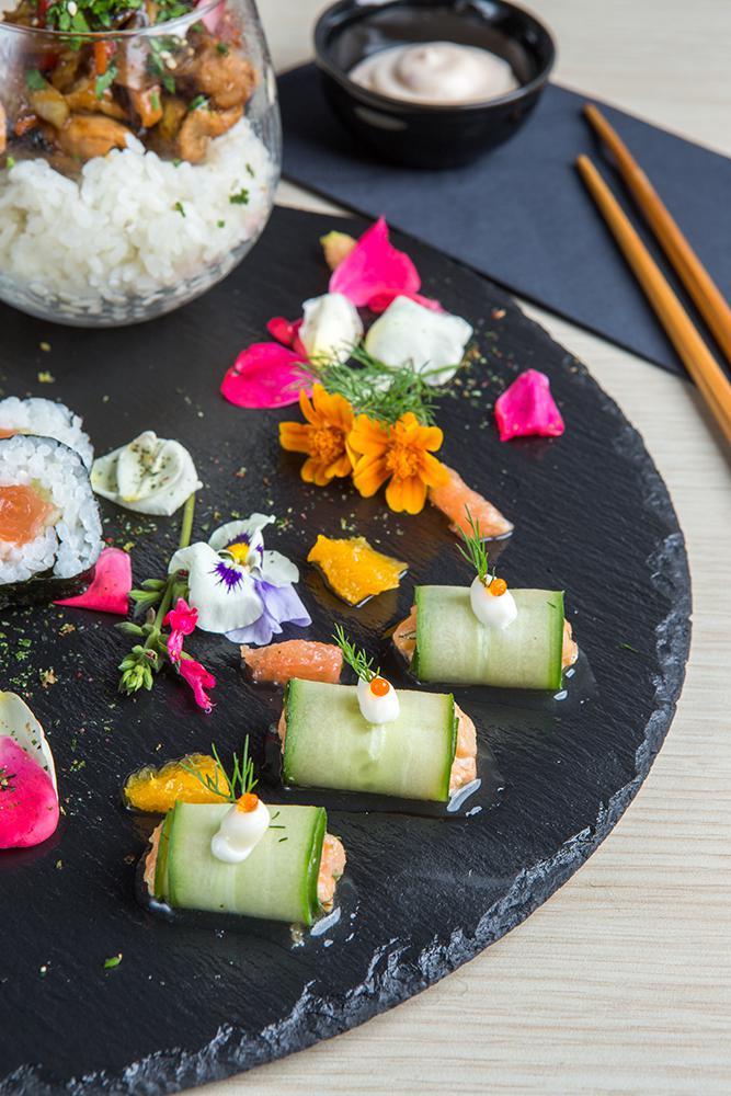 Japanese pallet of flavors, Saki sushi bar,4