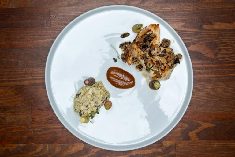 Κοκοράκι με carpaccio τρούφας & brunoise αγκινάρας, Chilai, 2