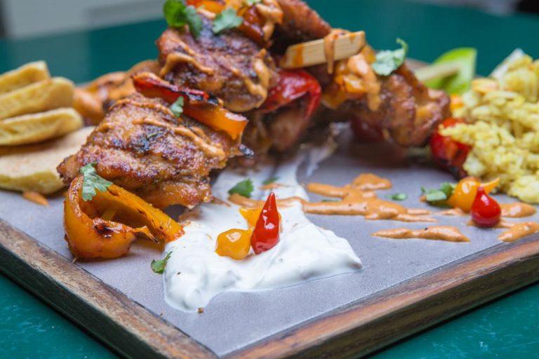 Κοτόπουλο Tikka Masala με Basmati και sauce γιαουρτιού, Τοίχο Τοίχο, 4