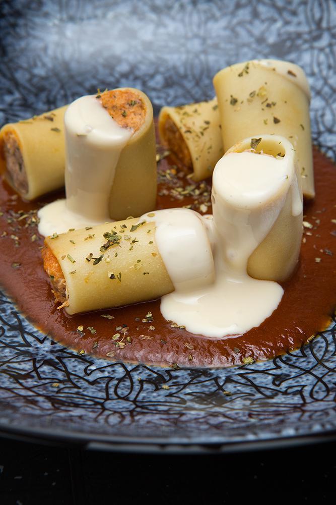 Paccheri γεμιστό με κουνέλι στιφάδο και κρέμα παρμεζάνας, Οδός Δελφών, 6