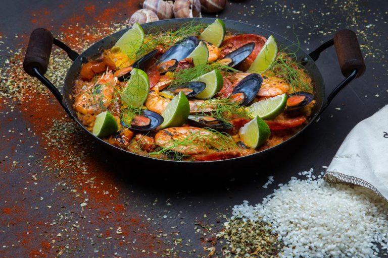 Seafood paella with escargots & chorizo, 1