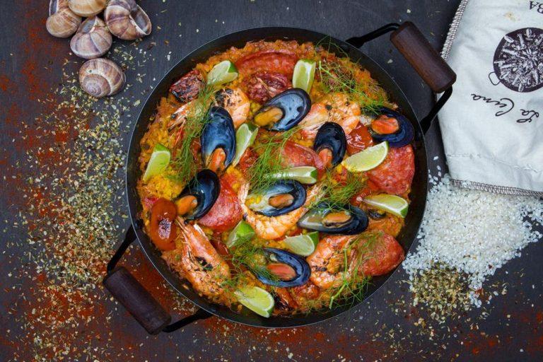 Seafood paella with escargots & chorizo, 2