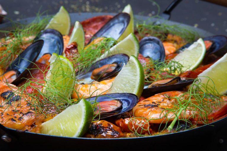 Seafood paella with escargots & chorizo, 3