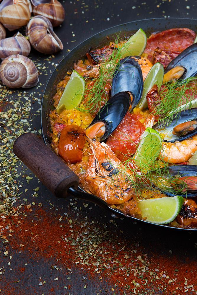Seafood paella with escargots & chorizo, 4