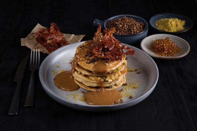 Pancakes Elvis style, 1