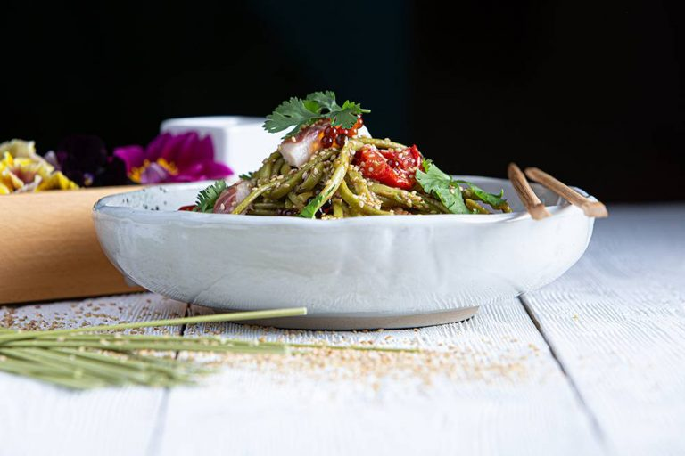 Salad bowl με noodles άλγης & καπνιστό χέλι, 2