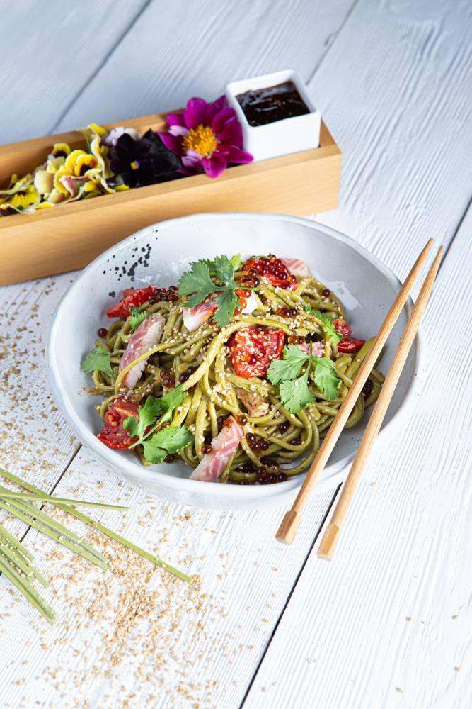 Salad bowl με noodles άλγης & καπνιστό χέλι, 3