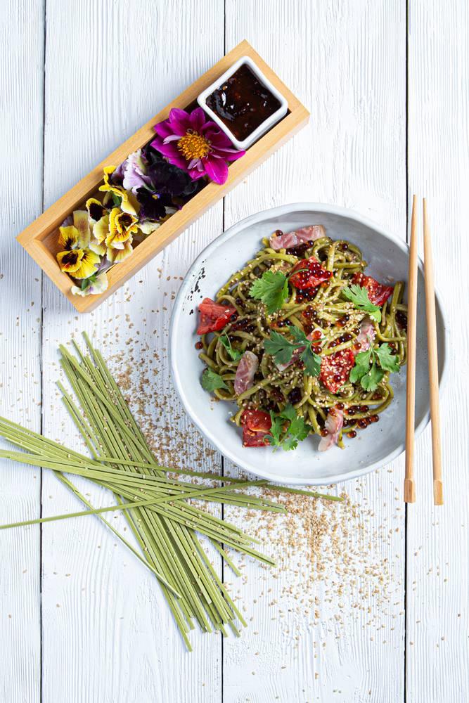 Salad bowl με noodles άλγης & καπνιστό χέλι, 4