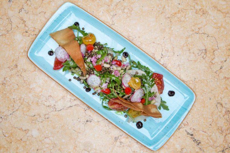 Σαλάτα με όσπρια και ξυρισμένα λαχανικά, Les Zazou, 2