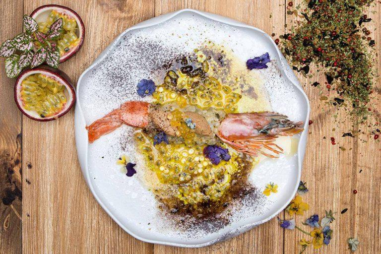 Tartare γαρίδας με pâté καβουριού & μαρινάδα passion fruit, 2