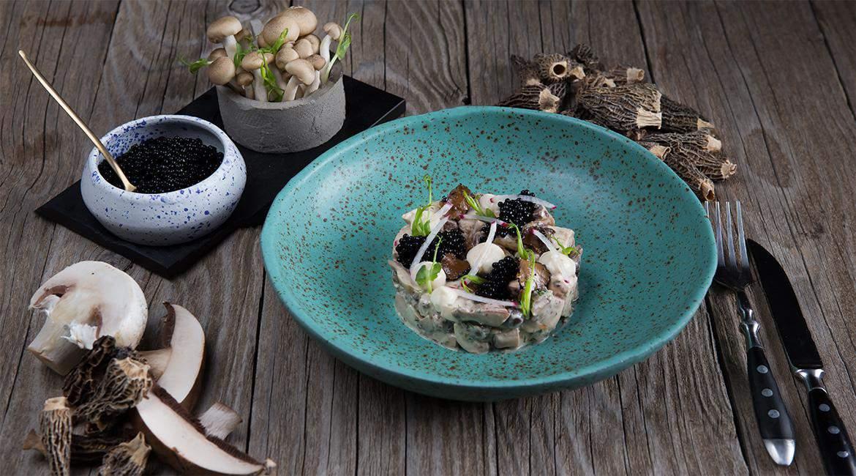 Ταρτάρ μανιταριών με χαβιάρι τρούφας & κρέμα πορτσίνι, feature