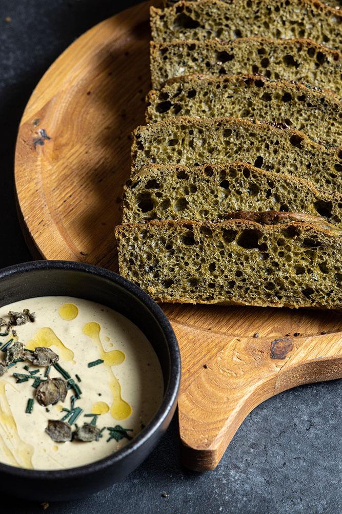 The ultimate bread basket, Spirulina bread, 3